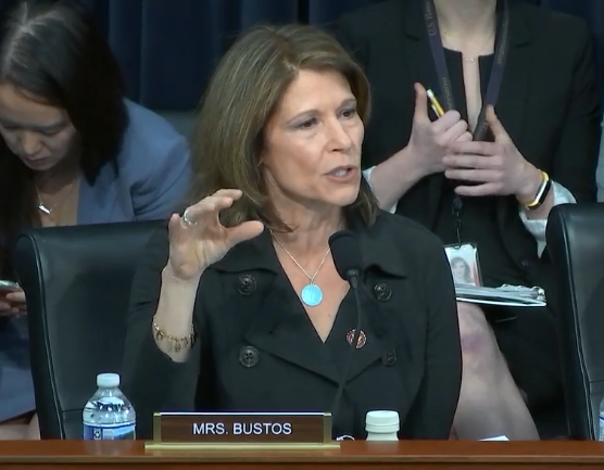 Betsy Devos Is Just Plain Wrong >> Video Bustos Stands Up For Students And Teachers To Secretary Of